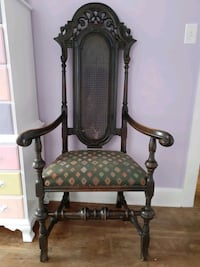 Antique William and Mary style arm chair Hampton, 23666