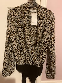 Leopard print blouse Richmond Hill, L4C 9S1