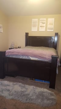 Tv, table set and queen bed for Sale Las Vegas, 89101