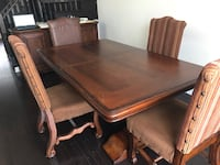 Dining Room Table and Chairs 559 km