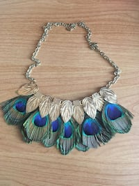 New Aldo Feather Necklace  Mississauga, L5M 7K4