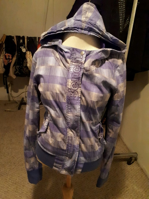 Bench jacket size S  57ca3d38-2074-446a-a7ef-19aad1708913