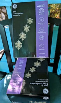 GE 4 cut. 52 LED Snowflake Path Set, 3 boxes, NEW! -