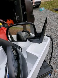 Electric mirrors off of 2003 Chevy Avalanche Sevierville, 37862
