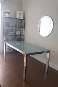 Calligaris tempered glass dining table Gaithersburg, 20879