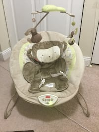 Fisher price Baby bouncy chair ,all vibrating and lullaby music works perfect  Alexandria, 22304