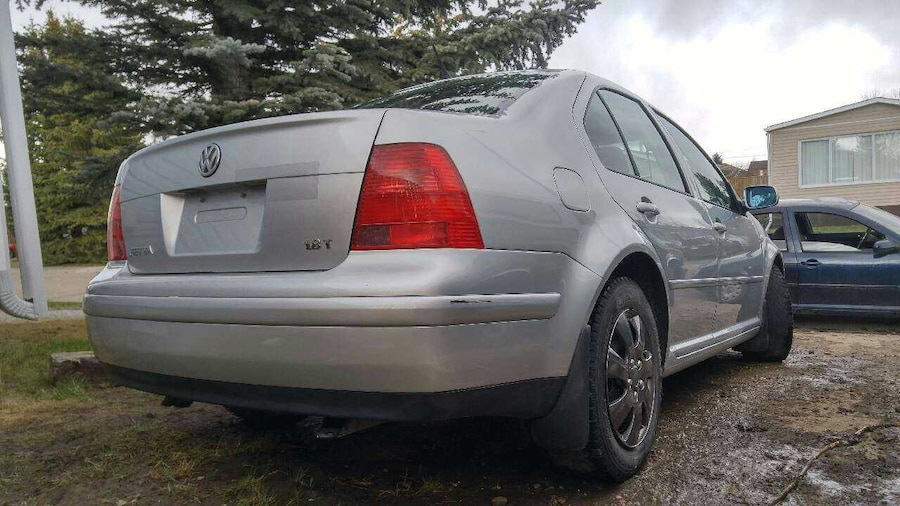 used 2002 vw jetta 1 8 turbo 5 speed manual in airdrie. Black Bedroom Furniture Sets. Home Design Ideas