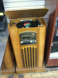 Old school record player Chicago, 60622