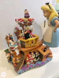 Disney Alice in Wonderland Snow Globe