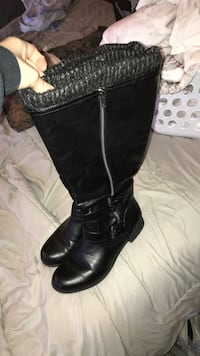 pair of black leather zip up knee-high boots Vacaville, 95687