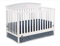 baby's white wooden crib (including matress) Los Angeles, 91307