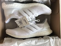 Triple white adidas ultra boost 4.0  Toronto, M1P 4P5