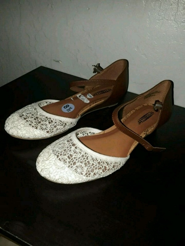 bc49e09ade3a Used White and brown lace flats for sale in San Mateo - letgo