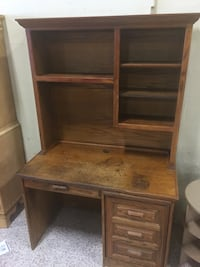 Solid wood desk with hutch  South Daytona, 32119