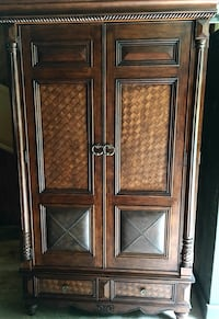 Brown wooden wardrobe Frederick, 21704