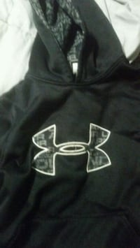 black and white Under Armour pullover hoodie Gaithersburg, 20878