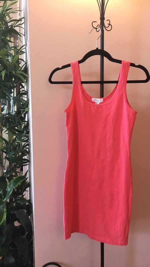 Size s forever 21 pink fitted dress