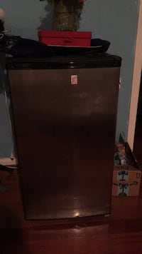 Mini fridge Burtonsville, 20866