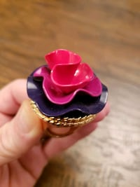 Lola Perfume gel ring. NEW!  Size 7