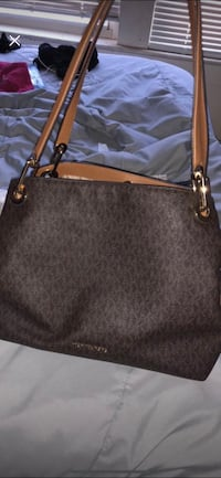 Michael Kors large shoulder bag Beavercreek, 45324