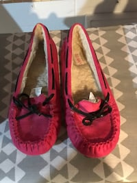 Pair of pink moccasins  Bettendorf, 52722