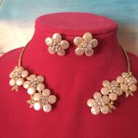 Bridal prom necklace pearl.  Rosamond, 93560