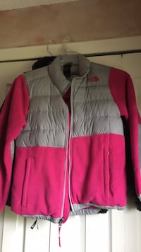 North Face Jacket Dearborn Heights, 48127