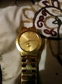 round gold-colored analog watch with link bracelet Wichita, 67217