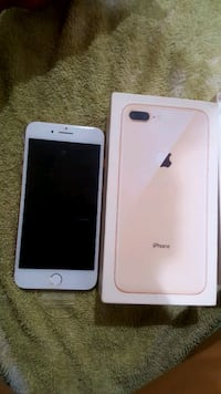 iPhone 8 Plus - 25GB - Gold (T-Mobile) A1864 2281 mi