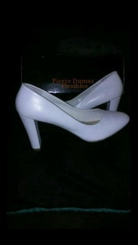 White Pierre Dumas Flexibles Size 8 (Still available if posted) Newport News, 23606