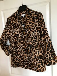 black and brown leopard print button-up shirt London, N6J 0A4