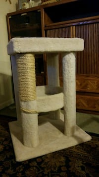 2 story cat tower with new scratching post Elverta, 95626