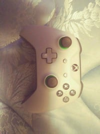 green and grey Xbox One game controller Eugene, 97404