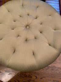 Tufted ottoman in a beautiful light olive  Falls Church, 22046