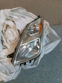 2005. Toyota prius Headlight Driver side with Xenon Light Kitchener, N2R 1Y6