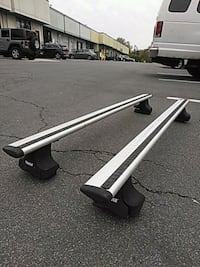 gray and black car roof rack 32 km