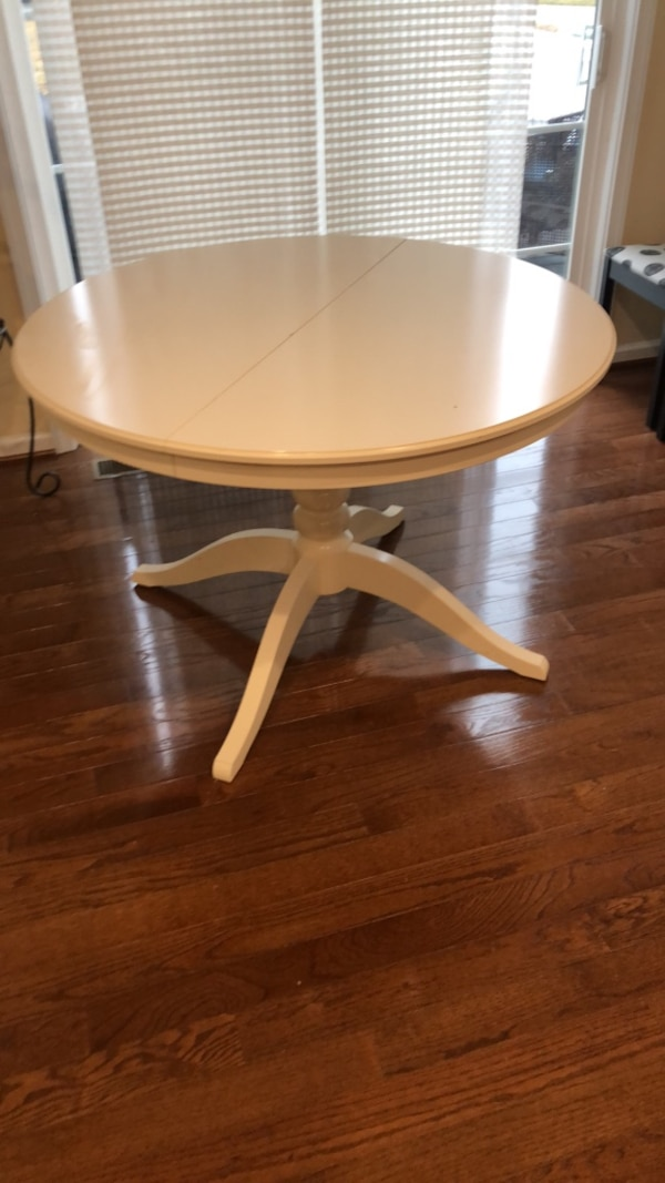 Breakfast table; expandable