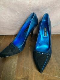 Women's size 7 blue and black gorgeous heals  Laval, H7L 5V2
