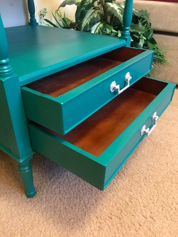 Accent table with drawers 1440bb72-7b5c-48ce-b654-3f5eed1f45c7