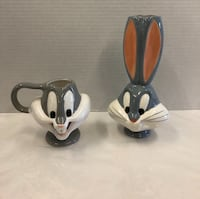 Bugs Bunny cup and vase Renton