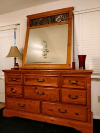 Nice wooden big dresser with big mirror and 8 draw Annandale, 22003