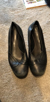 size 7.5 leather dansko shoes Arlington, 22209