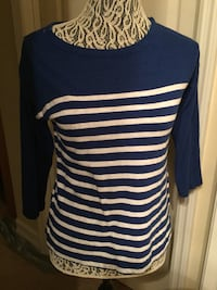 Old Navy Blue and White striped scoop-neck shirt 777 mi