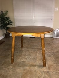 Solid wood round table with leaf Frederick, 21703