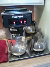 BUNN VP17-3  coffee maker.