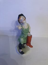 Herend boy with boots shoemaker porcelain figurine Toronto, M2R 3N1