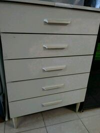 White Formica chest of drawers Hollywood, 33024