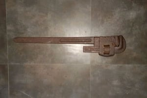 TRIMONT PIPE WRENCH 24INCH
