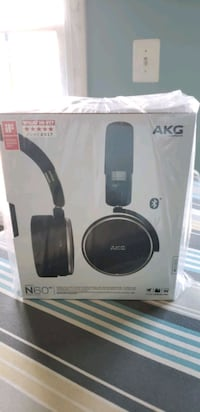 $300 Harman AKG N60 nc wireless bluetooth headse Lorton, 22079