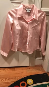 Brand new Amy byer satin shirt Chantilly, 20598